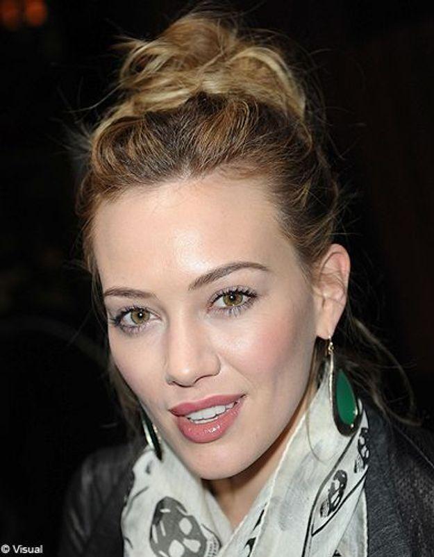 Beaute cheveux coiffure tendance chignon haut Hilary Duff