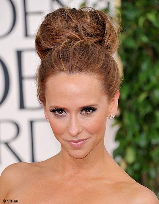 Beaute cheveux coiffure tendance chignon haut Jennifer Love Hewitt