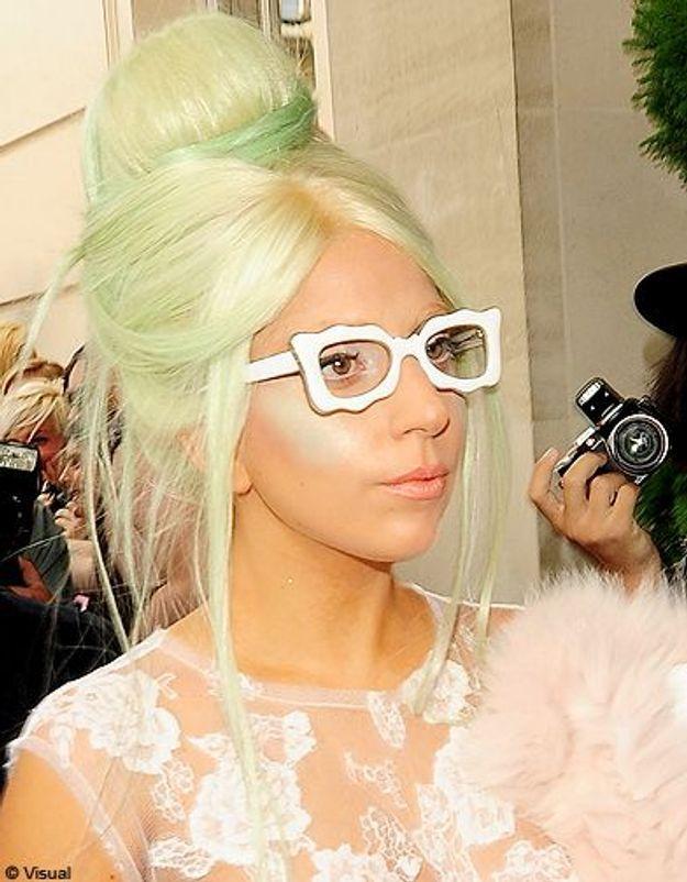 Beaute cheveux coiffure tendance chignon haut Lady Gaga