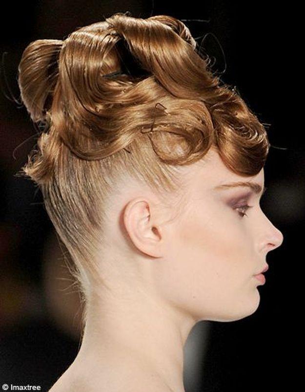 Beaute cheveux coiffure tendance chignon haut Lhuillier
