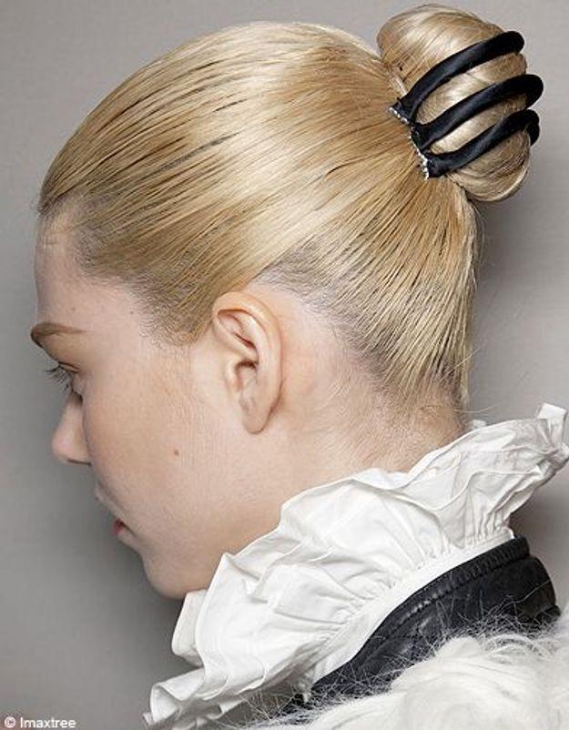 Beaute cheveux coiffure tendance chignon haut Sportmax