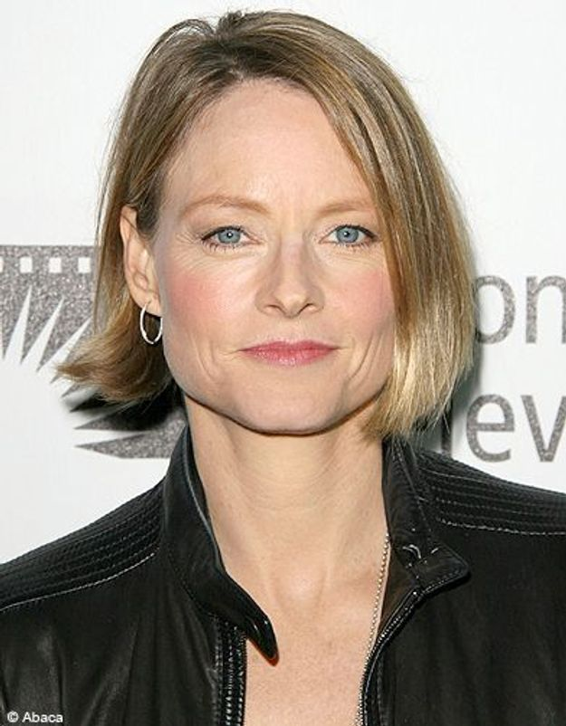 Beaute tendance cheveux coiffure coupe carre people Jodie Foster