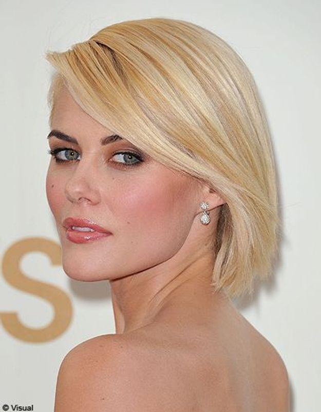 Beaute tendance cheveux coiffure coupe carre people Rachael Taylor