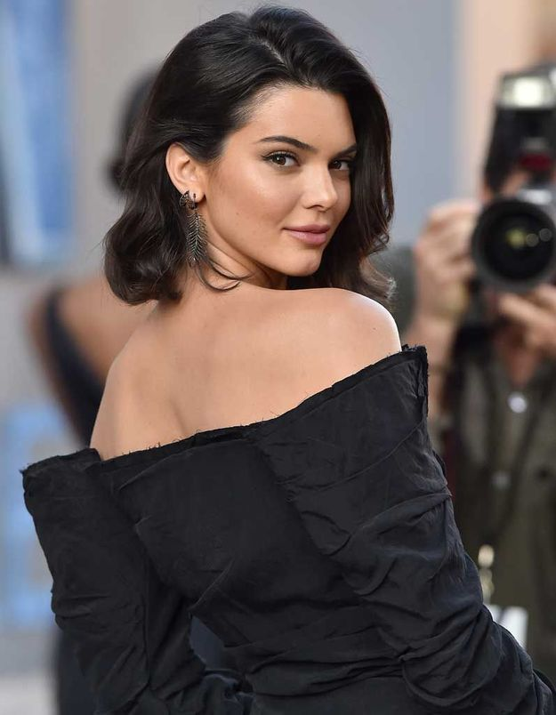 Le carré one shoulder de Kendall Jenner