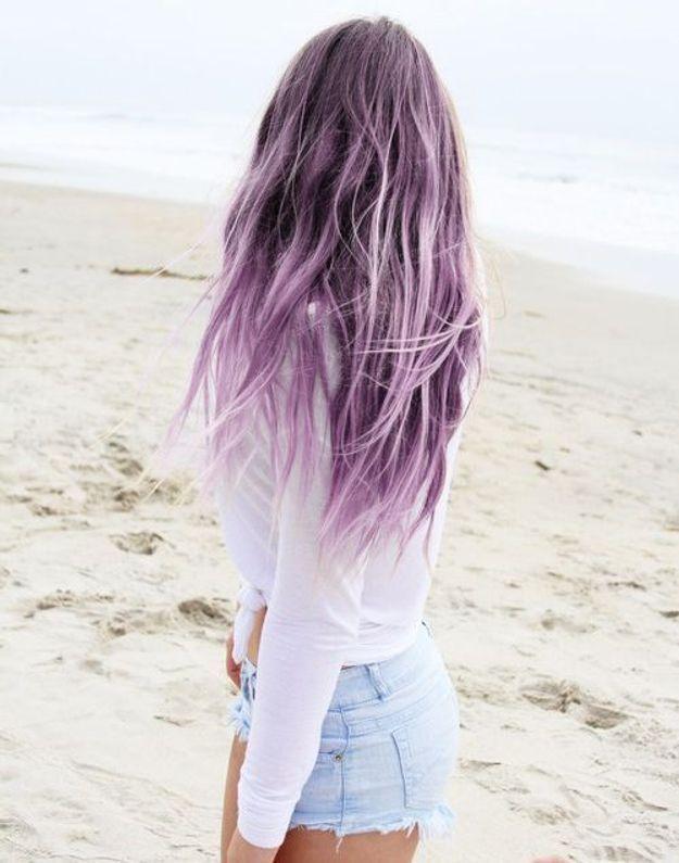 Cheveux violets délavés
