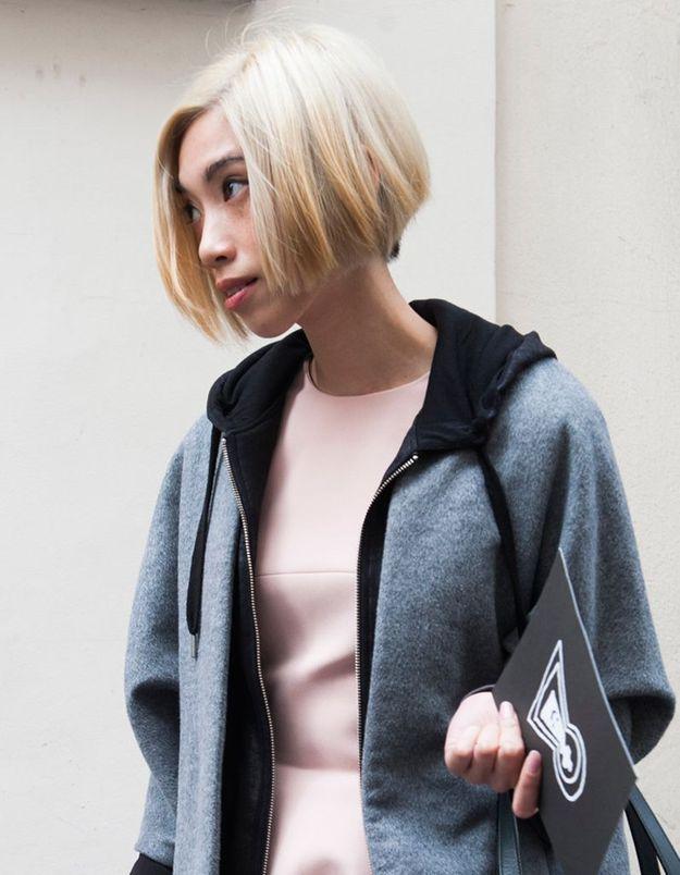 Coloration hiver : un carré plongeant blond des blés - Street style cheveux : les filles ...