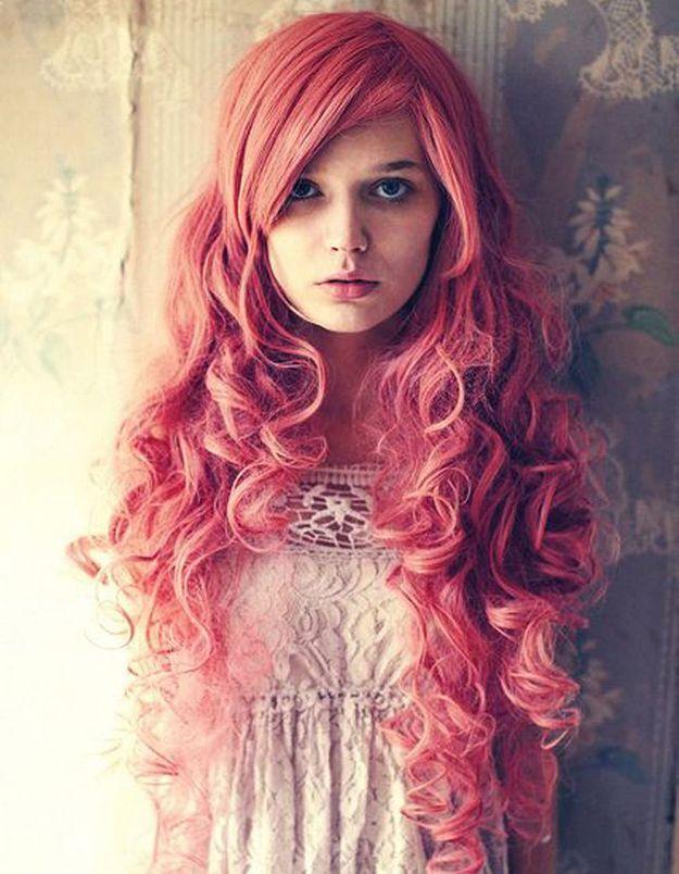 Cheveux bouclés colorés automne-hiver 2016