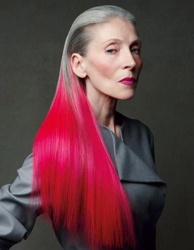 Cheveux longs couleur rouge