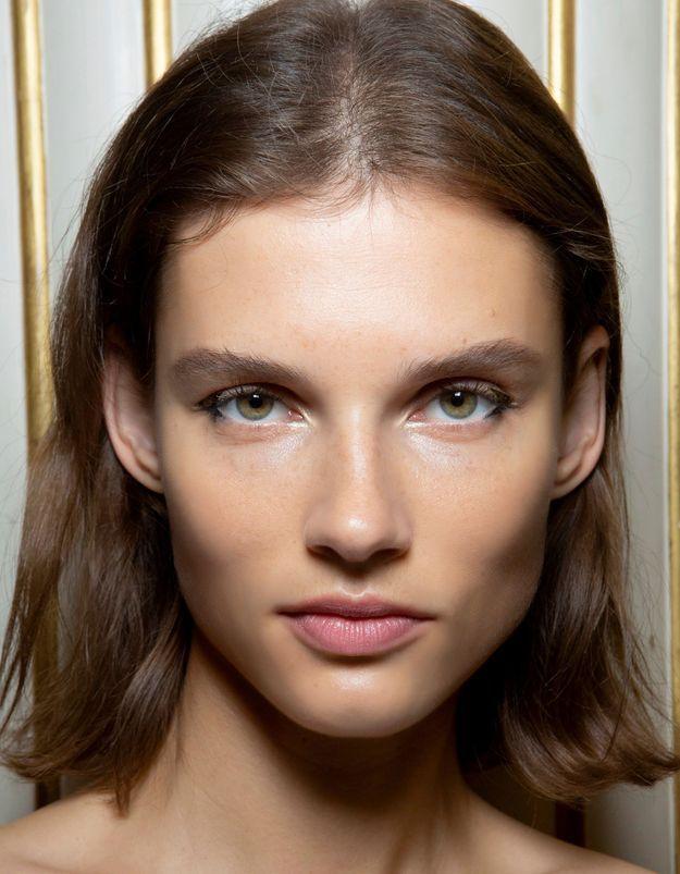 Comment se couper les cheveux seule sans (trop) se louper ?