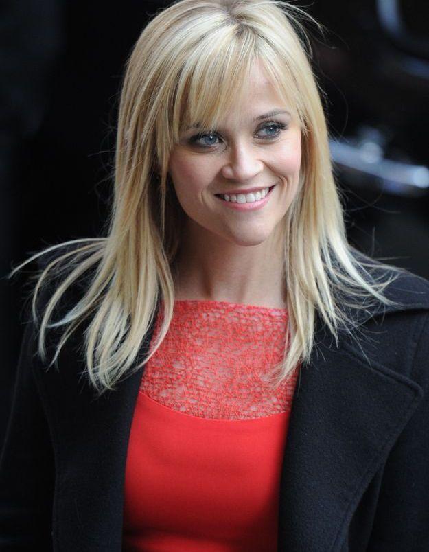 Reese Witherspoon avec une frange effilée sur le côté