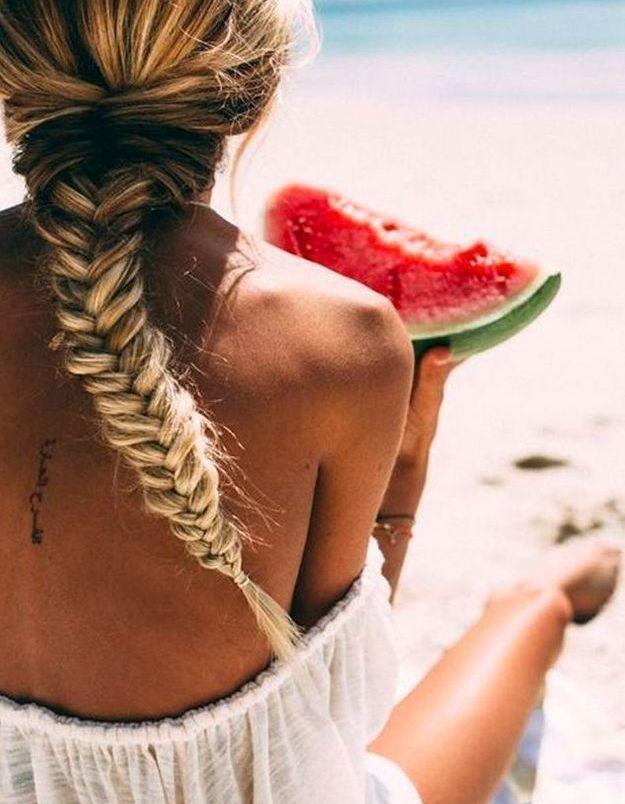 Mer, piscine… Faut-il se laver les cheveux tous les jours en vacances ?