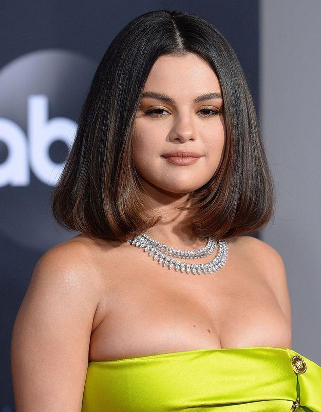 American Music Awards : Selena Gomez décline son carré en deux coiffures de soirée