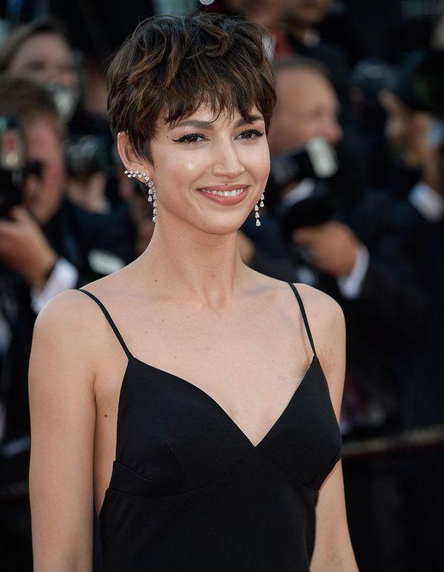La coupe courte de Úrsula Corberó à Cannes