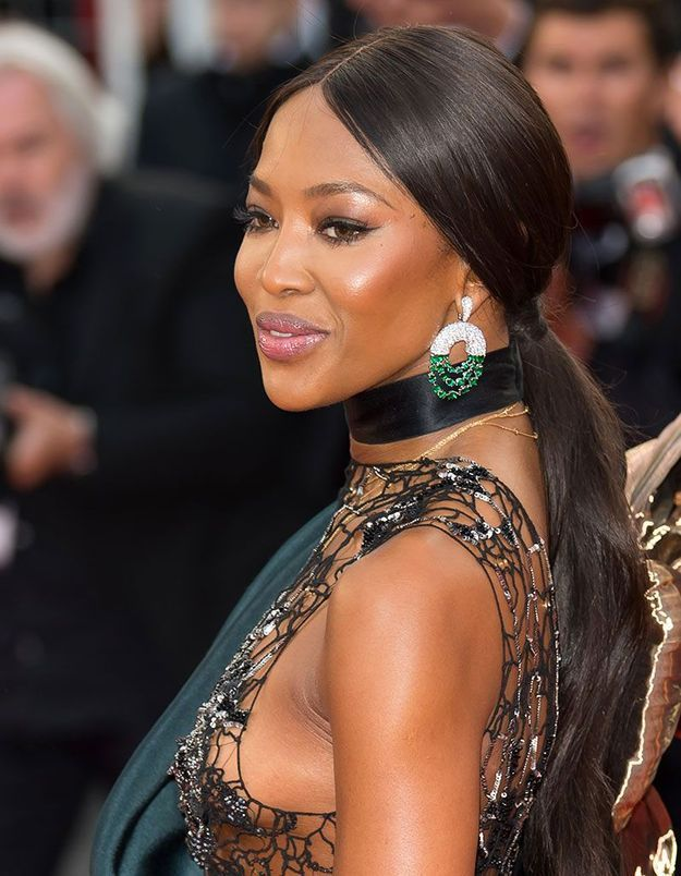La queue de cheval basse de Naomi Campbell