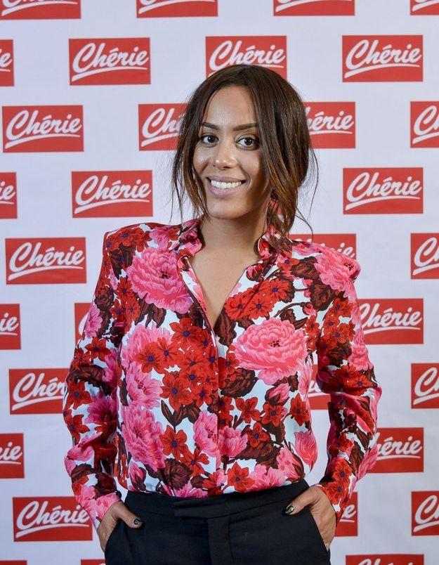 Amel Bent et ses cheveux loose en 2018