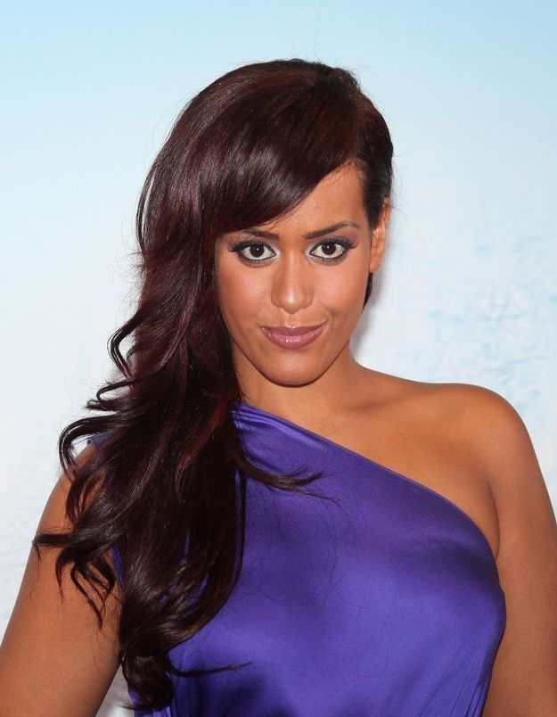 Amel Bent et son brushing glamour en 2012