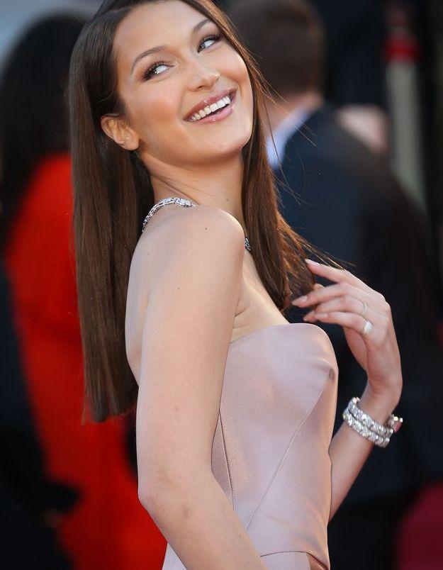 Bella Hadid et ses cheveux raides à Cannes en 2018
