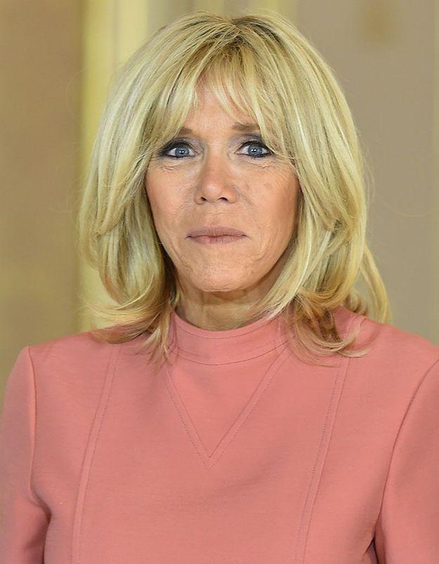 Brigitte Macron et son brushing toujours impeccable