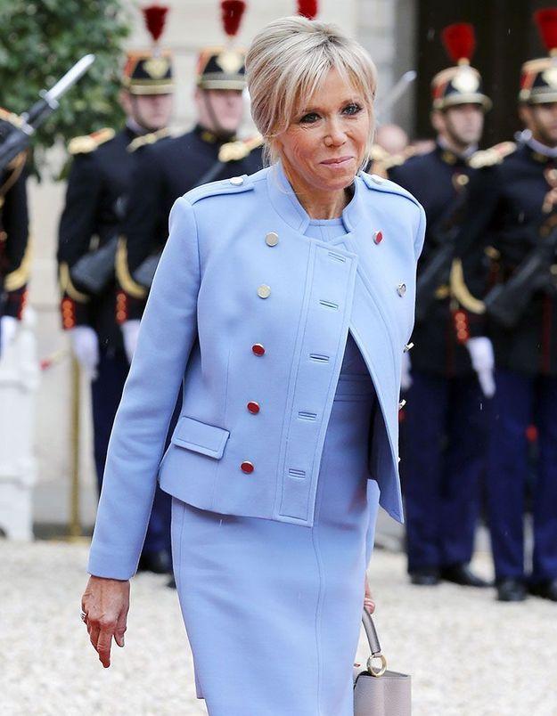Le chignon banane de Brigitte Macron à l'Elysée