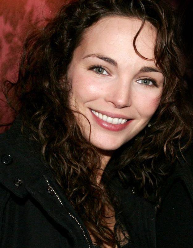 Claire Keim brune