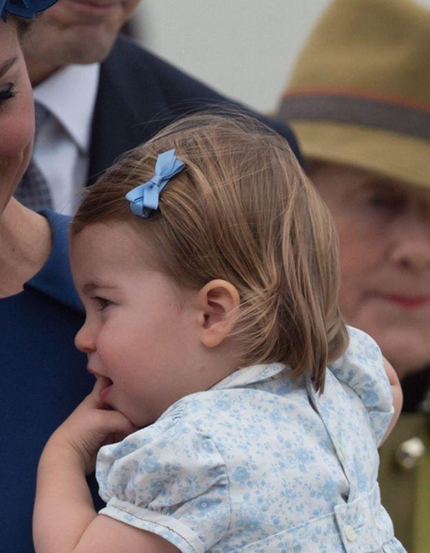 Charlotte et son noeud bleu