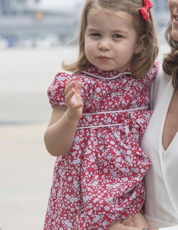 Charlotte et son noeud rouge