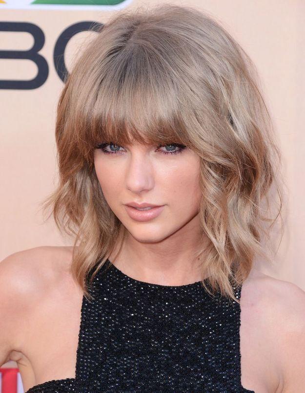 2015 : Taylor Swift et son carré bouclé avec frange droite
