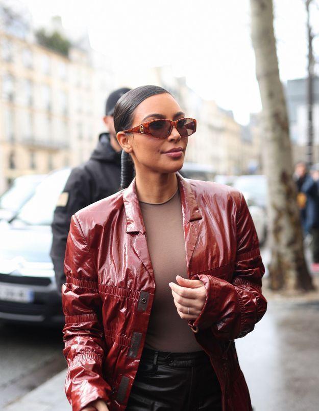 Kim Kardashian succombe, elle aussi, à cette coiffure vintage