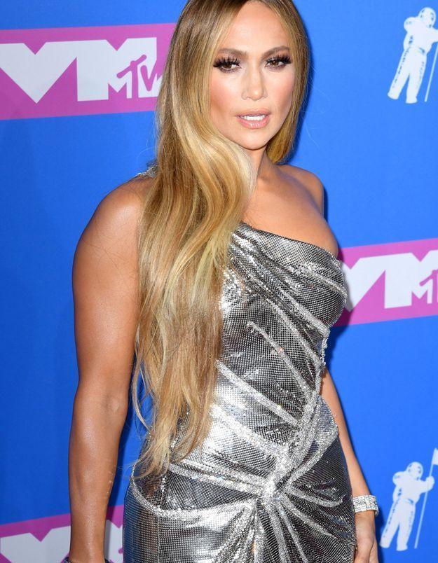 Les longueurs lissées et la raie au milieu de Jennifer Lopez