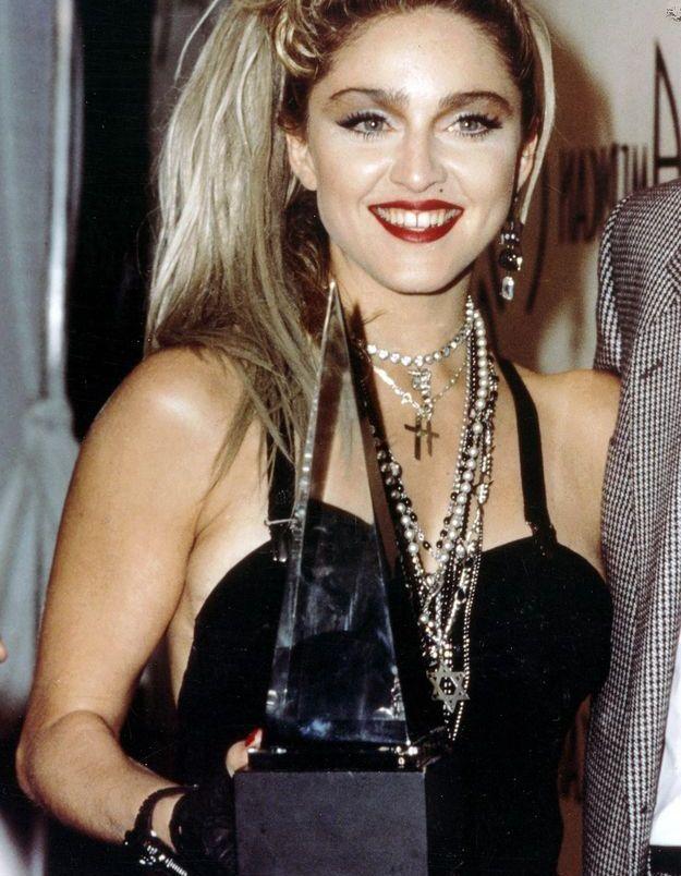 Madonna à la coupe grunge et rock