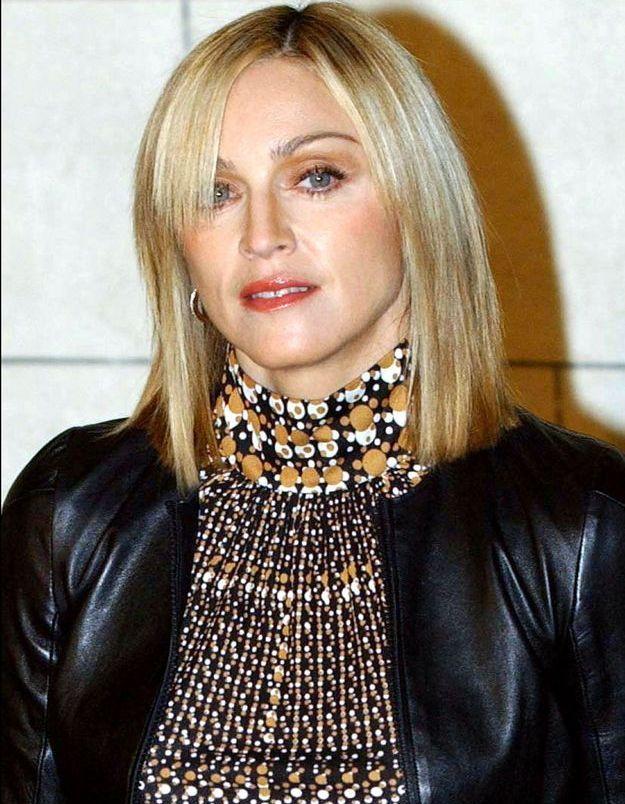 Madonna et sa coupe au carré raide