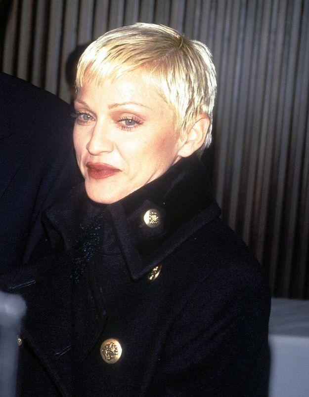 Madonna et ses cheveux ultra courts
