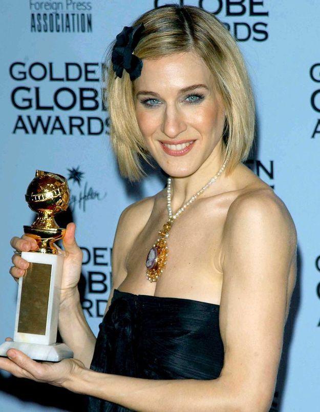 Sarah Jessica Parker blonde avec un carré court lissé en janvier 2002