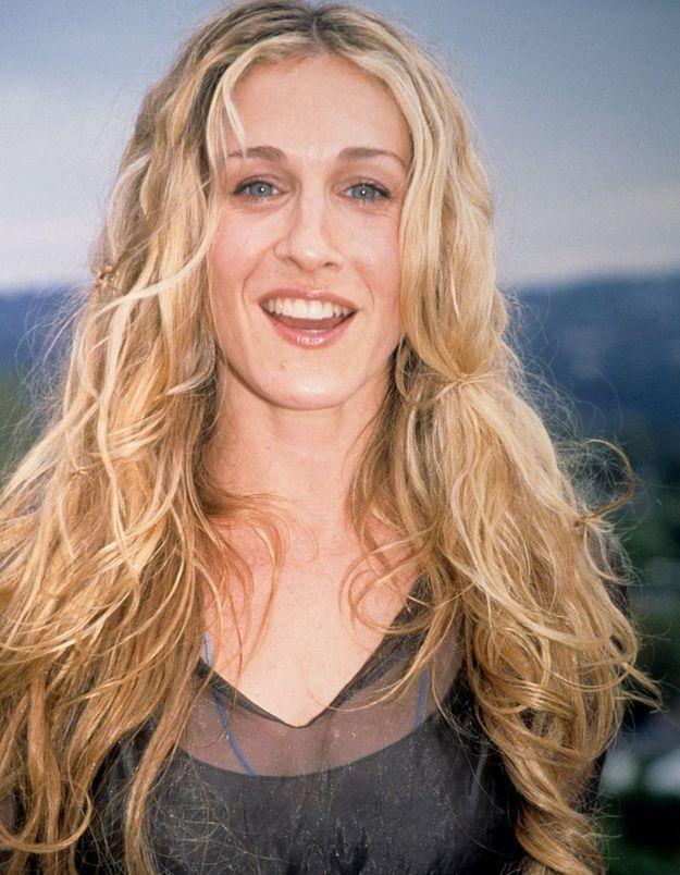 Sarah Jessica Parker blonde cheveux longs et bouclés en mars 2008