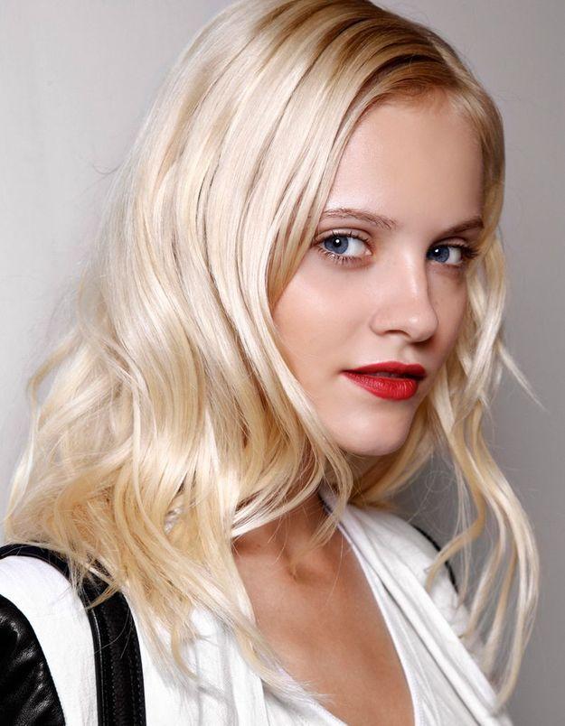 Le cheveu blond platine