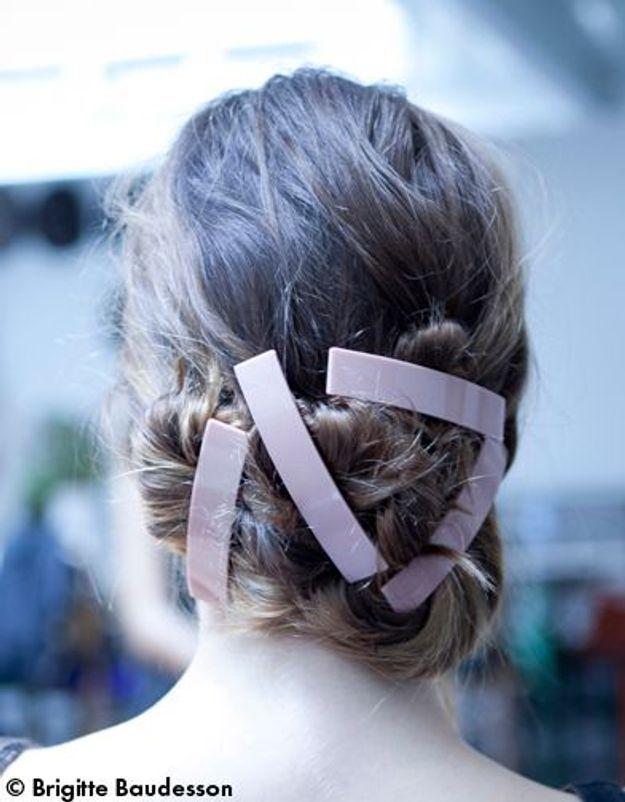 Elle Beauté Cheveux Coiffure Le Tuto De Fred Le Chignon A Barrettes GENERIQUE ok1