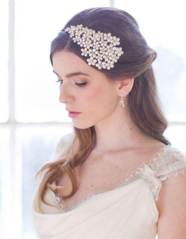 Coiffure de mariée Bijou de tête perlé