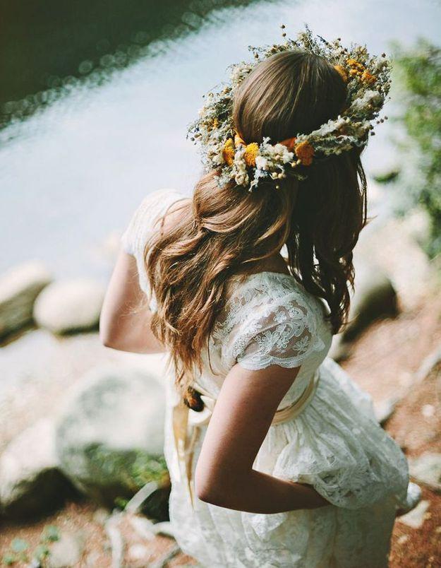 Coiffure de mariée Couronne de fleurs printanières