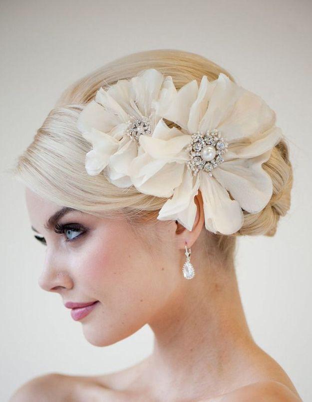 Coiffure mariée robe bustier