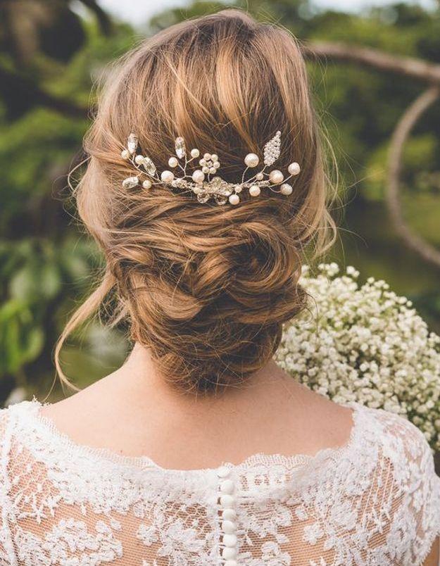 Les broches dans les cheveux