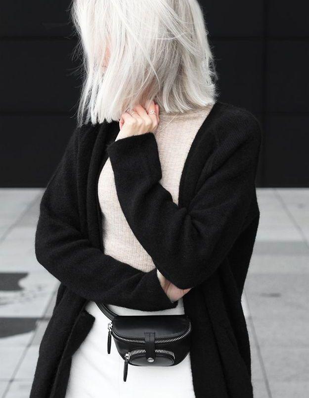 Cheveux blancs soyeux
