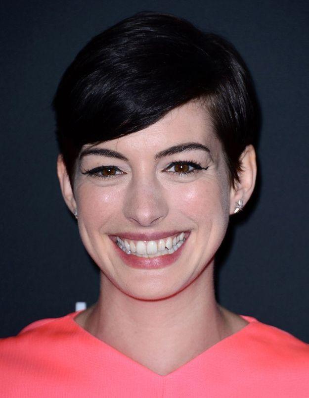 """Anne Hathaway : """"J'ai le même sourire depuis que je suis petite. Je ne veux pas que le Botox l'efface"""""""