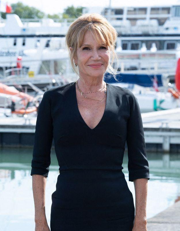 Clémentine Célarié : cette opération de chirurgie esthétique qui a tout changé !