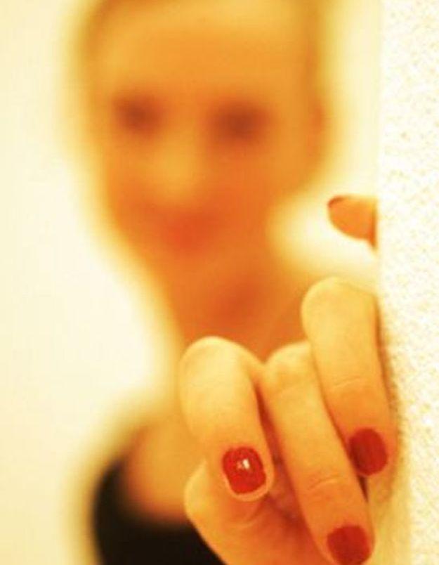 Des faux ongles en amande