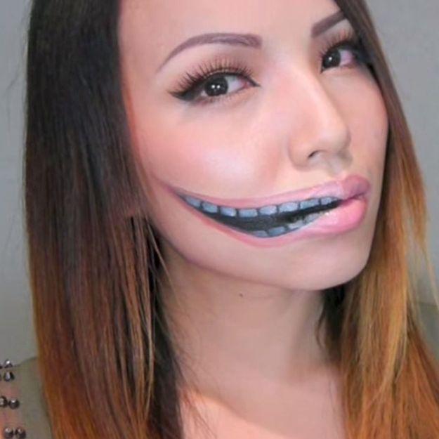 Maquillage Halloween : la bouche démesurée
