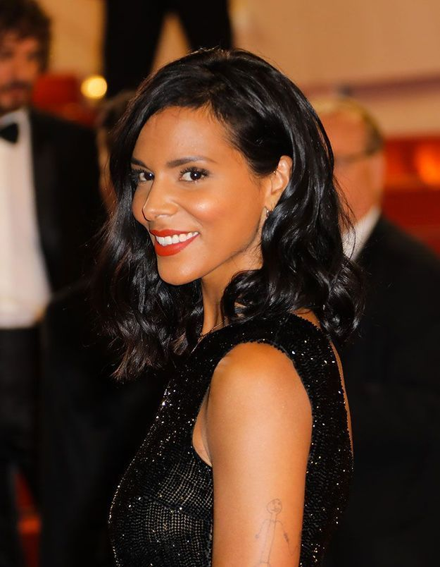 La bouche rouge orangée pop de Shy'm à Cannes