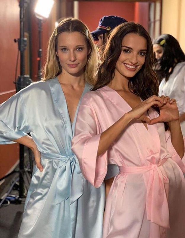 Ilona Smet et Gabrielle Caunesil en backstage du défilé Etam