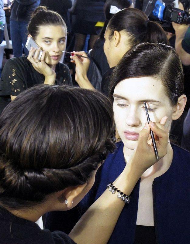 Maquillage en chaîne