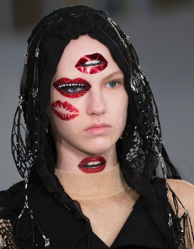 Le make up bouches de Pat McGrath pour Margiela par Galliano