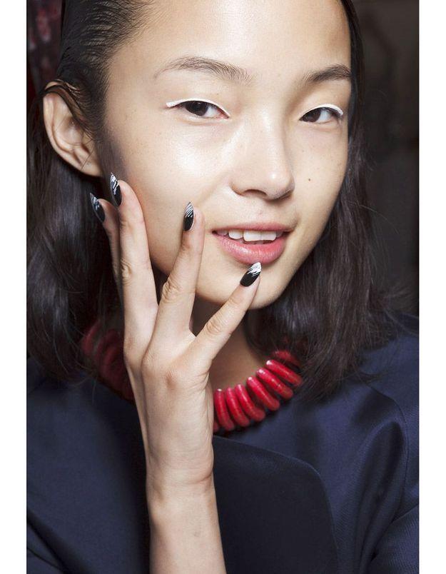 Les ongles nail art du défilé Kenzo